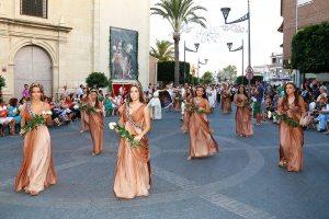 Los desfiles de las fiestas de Sodales Íbero-Romanos inunda las calles de Fortuna de color y espectáculo.